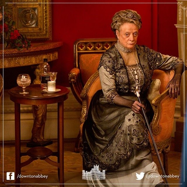 A glorious snap of the Dowager Countess of Grantham from #behindthescenes on the #set of #DowntonAbbey #Series4. Marvellous! #Downton #Costume #Acting #Props #Dress #Gown #Vintage #Film #Drama
