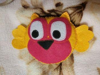 Красивая игрушка совы из фетра своими руками