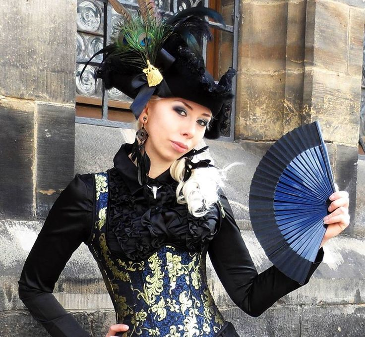Janne Ebbesdatter Lavogez. Rococo hat and corset. Dracula Clothing corset