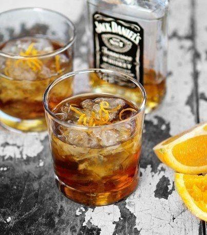Апельсиновый олд-фэшнд коктейль с кленовым сиропом