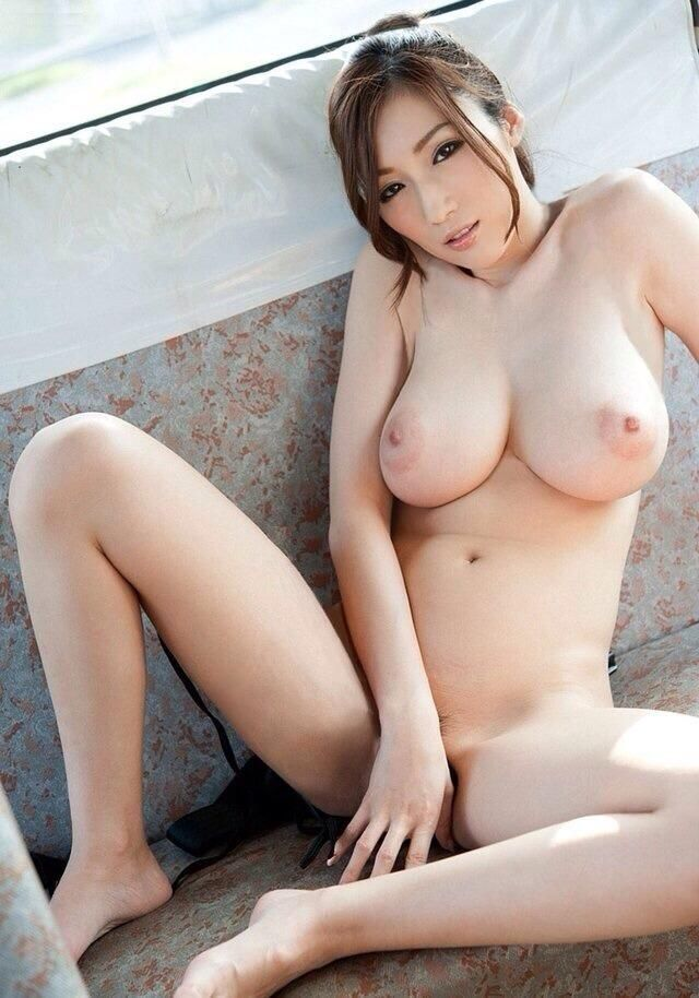 Beauty Julia Nude 6