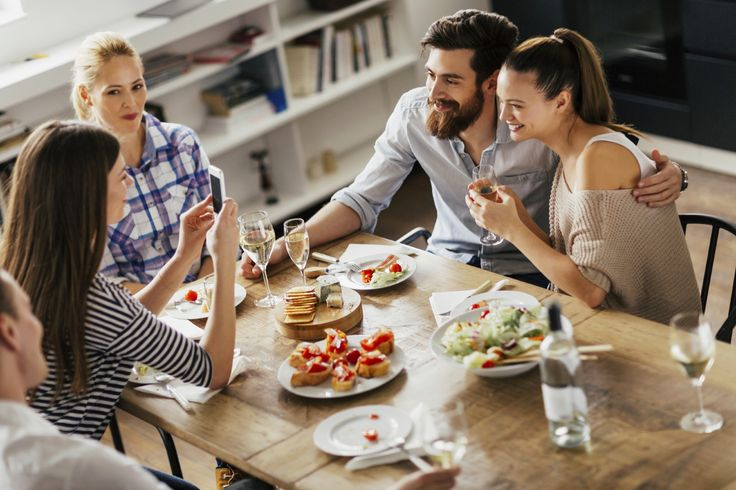 And it has nothing to do with working out, eating right, or going to bed earlier. #happiness #friendship http://greatist.com/live/how-to-be-happy-ritual