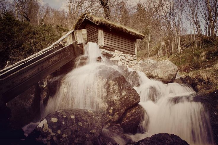 Mareks Selena @Mike Oreo 21h - manfrotto never falls / just waterfall by @Mike Oreo @manfrotto_tweet #MimWaterfalls