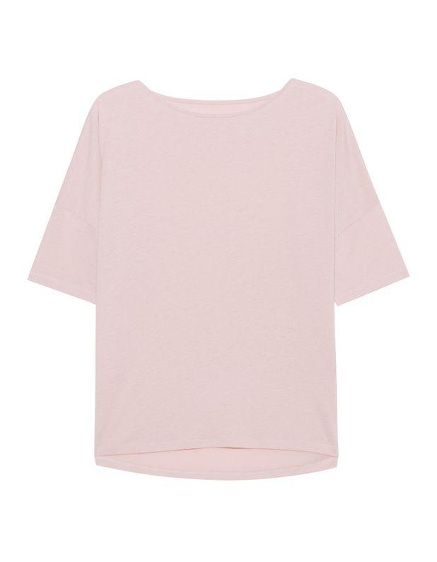Jersey-T-Shirt Locker geschnittenes rosafarbenes T-Shirt aus einem hochwertigen Lyocell-Baumwoll-Gemisch mit weiten Rundhalsausschnitt, halblange Ärmel, tiefe Schulternähte und nach hinten abfallendem Saum.  Ein cooles Basics-Piece für jeden Tag!