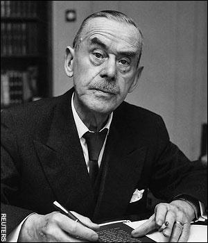 Paul Thomas Mann (Lubecca, 6 giugno 1875 – Zurigo, 12 agosto 1955) è stato uno scrittore e saggista tedesco. Premio Nobel nel 1929, è considerato una delle figure di maggior rilievo della letteratura europea del Novecento. Tra suoi libri più famosi I Buddenbrook e La montagna incantata.