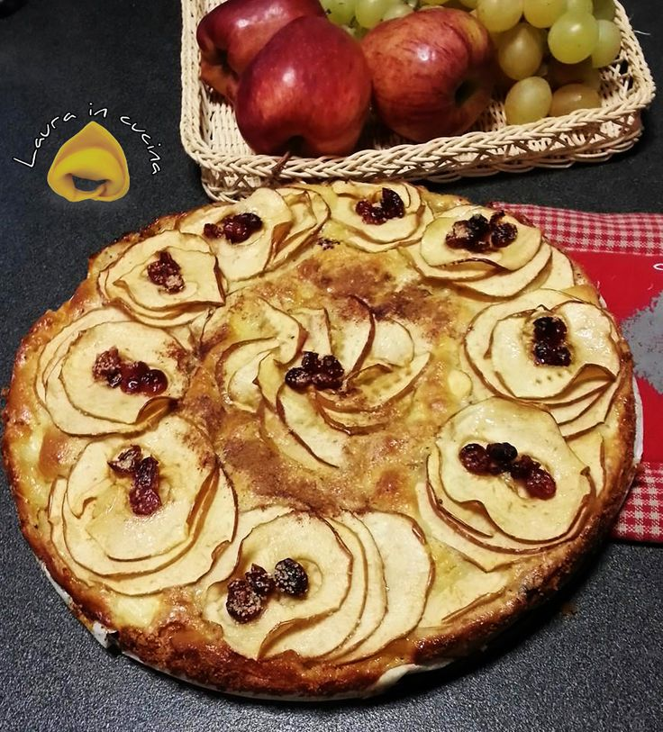 Oggi torta di mele e mirtilli ,una ricetta senza bilancia stra semplice da realizzare anche chi non ha una bilancia a disposizione e devo confessarvi che non