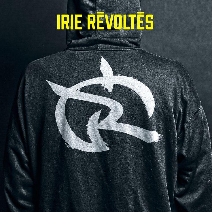 """http://polyprisma.de/wp-content/uploads/2015/06/Irie-Révoltés-Cover-1024x1024.jpg Irie Révoltés - Anschmiegsame Meinungsmache http://polyprisma.de/2015/irie-revoltes-anschmiegsame-meinungsmache/ Deutsch-französischer HipHop gehörte bis heute zu den weißen Flecken auf meiner musikalischen Landkarte, aber Irie Révoltés haben dieses Defizit beseitigt. Die Band stellte sich mir mit ihrem gleichnamigen Album """"Irie Révoltés"""" vor und gaben sich alle Mühe,"""