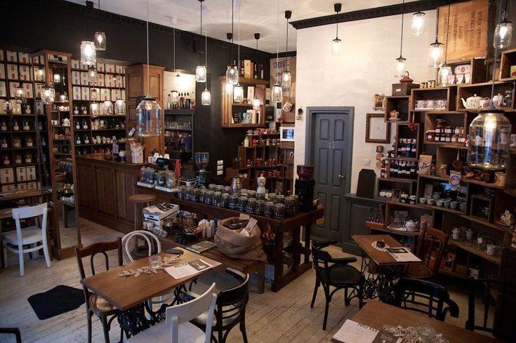 BUCHAREST - Camera din fata (tea shop, coffeeshop)