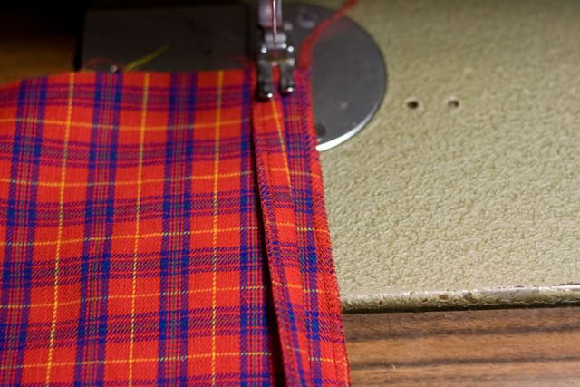 Sewing Checks – A Magic Pat-Trick! – pattern scissors cloth: checking plaids while sewing