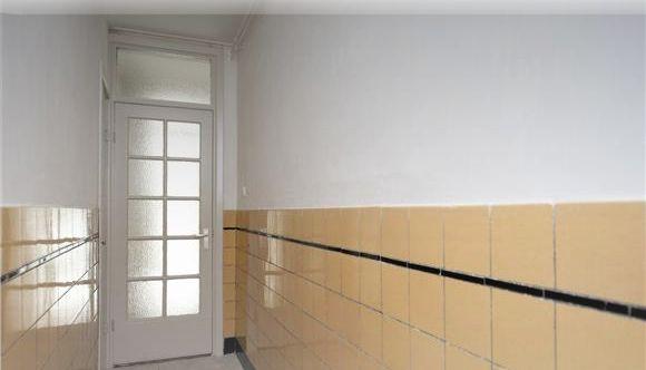 Badkamer Tegels Geel: Nl loanski slaapkamer en badkamer op zolder.