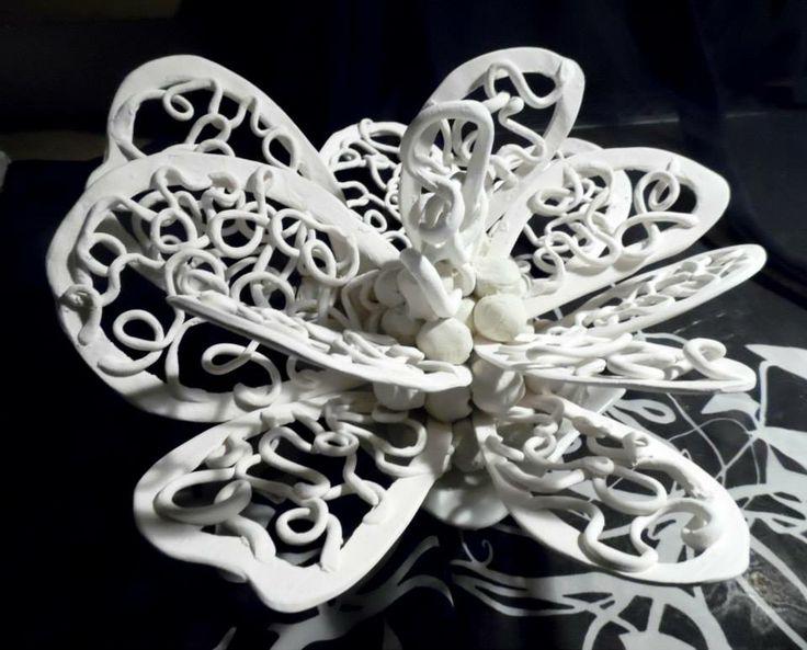 LACEFLORA  Rzeźba z porcelany Porcelain sculpture