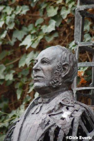 Standbeeld Dokter Willems - Hasselt