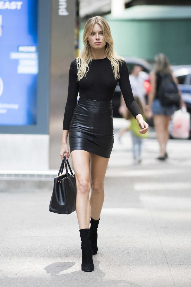 Blonde in black leather — photo 7