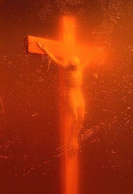 Andres Serrano, Piss Christ, 1987 © A. Serrano. Paula Cooper Gallery, New York