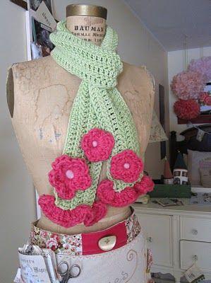 Crochet: Crochet Flower Scarf, Crochet Flowers Scarfs, Colors Combos, Chunky Flowers, Crochet Double Colors Flowers, Crochet Scarves, Fun Crafts, Flowers Scarfs Too, Crochet Scarfs
