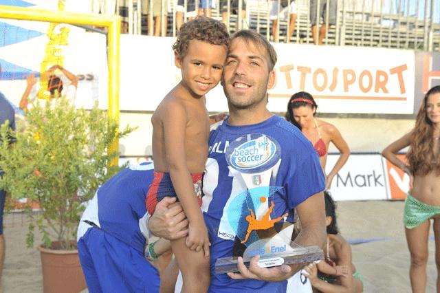#Palmacci ha già il futuro del beach soccer tra le braccia