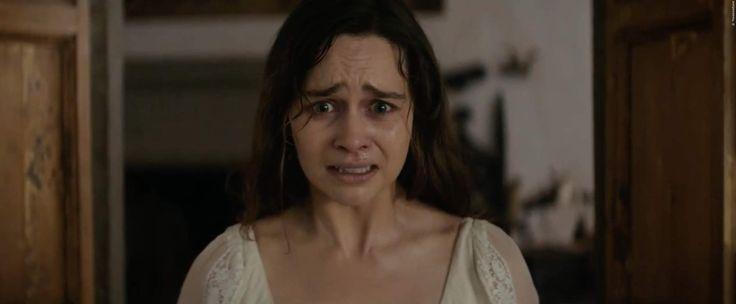Ein Kindermädchen wird beauftragt sich um einen Jungen zu kümmern, der Stimmen aus der Wand hört. Erst als sie selber eingemauert werden soll, versteht die Frau was los ist! Emilia Clarke in Voice From The Stone Trailer: Mystery-Thriller ➠ https://www.film.tv/go/36635  #VoiceFromTheStone #EmiliaClarke #MartonCsokas