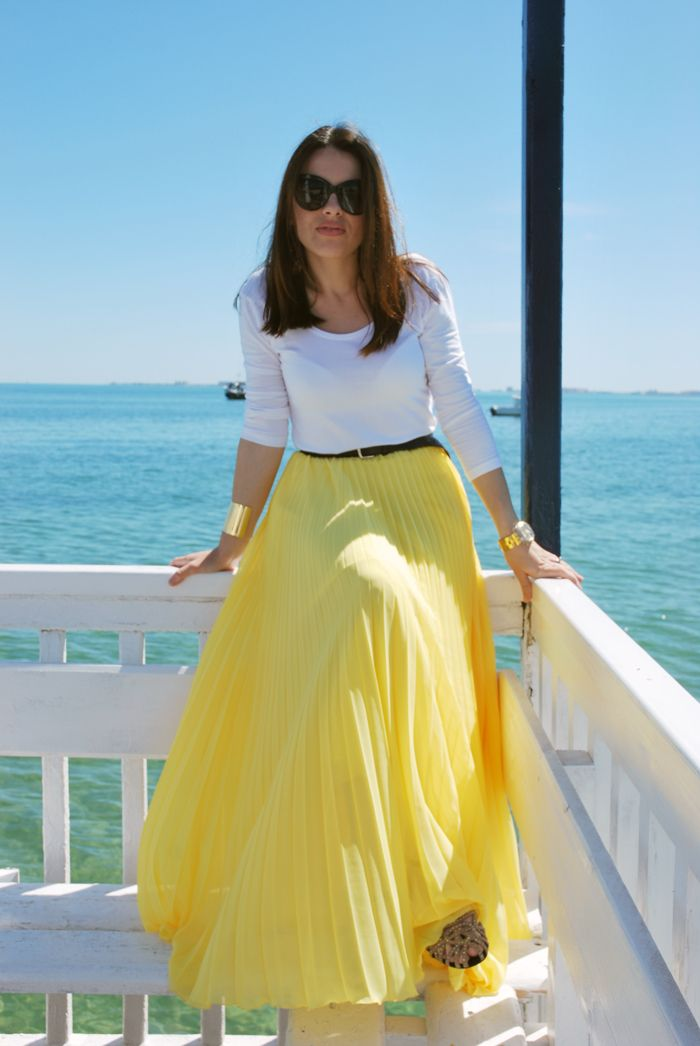 Maxi pleated skirt...Summer Friendly