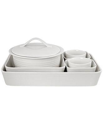 Get to cooking with Chef Gordon Ramsey's bakeware set.