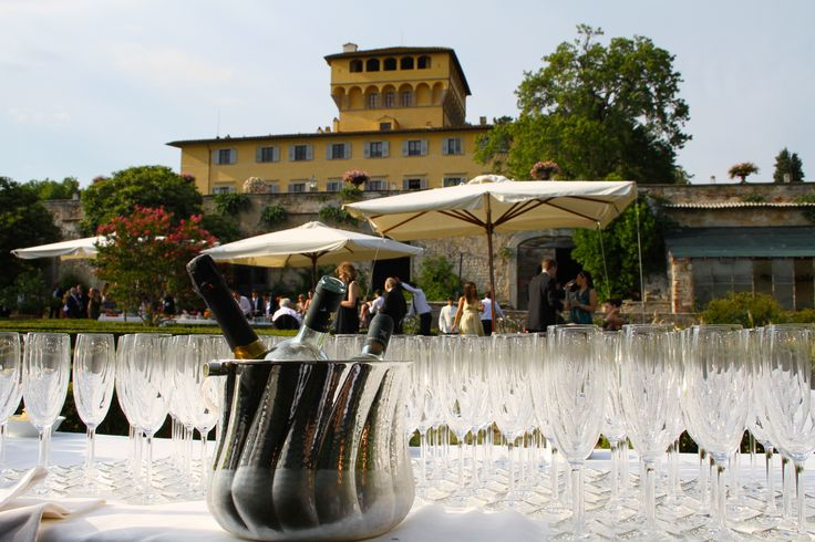 Cocktail hour at Villa di Maiano in Florence. All Rights Reserved GUIDI LENCI www.guidilenci.com