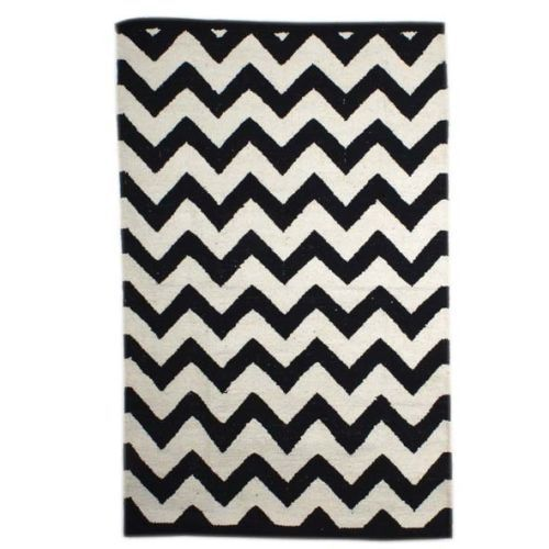 Black And White Cotton Floor Rug With Zigzag Design - Floor - Product - Trade Aid
