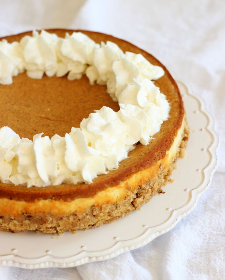 double layer pumpkin cheesecake spice with shortbread pecan crust | The Gold Lining Girl