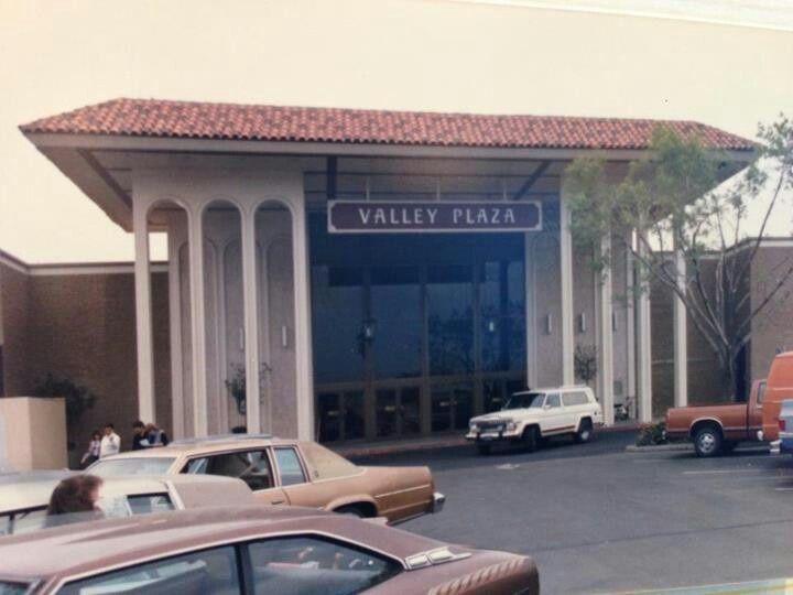 valley plaza bakersfield history