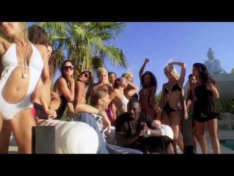 David Guetta - Sexy Chick (Featuring Akon)  (P) 2009 Gum Prod, licence exclusive EMI Music France