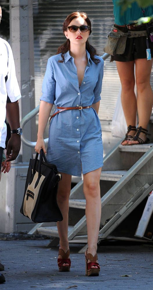 Chambray dress. Nice.                                                                                                                                                                                 More