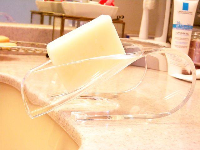 【楽天市場】石鹸置き グッドデザイン賞受賞!自動的にシンクに排水、通気性に優れた機能的で優れたデザインのアンティアン ソープホルダー:アンティアン無添加手作り洗顔石鹸