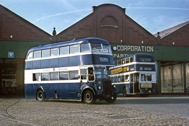 Lytham StAnnes PD1 EED5 Squires Gate Depot Bus Photo | eBay