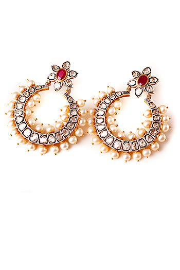 Vandana Kapoor earrings, perfectly pearled!