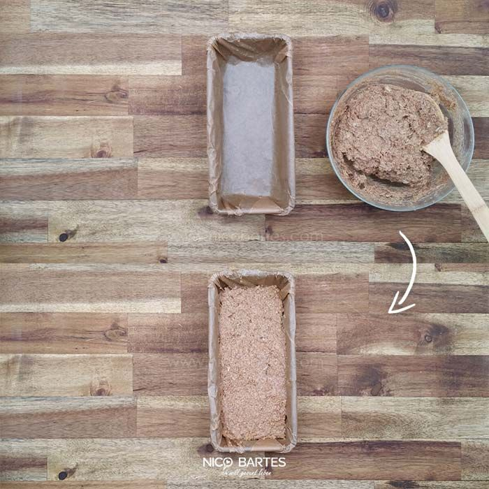 Wenig Kalorien, viel Eiweiß und rasche Zubereitung – Ideale Voraussetzungen für einen gesunden Brotgenuss. Mit nur 2,3g Kohlenhydraten je 100g, ist unser Fitness-Eiweißbrot außerdem auch ein perfektes Low-Carb Brot. Des Weiteren sind die verwendeten Zutaten recht einfach und landen nach nur 3 Zubereitungsschritten im Backofen. Wem die Zubereitung immer noch zu mühsam erscheint, sollte sich sein Brot (welches vermutlich bei weitem nicht so gesund ist) weiterhin kaufen.
