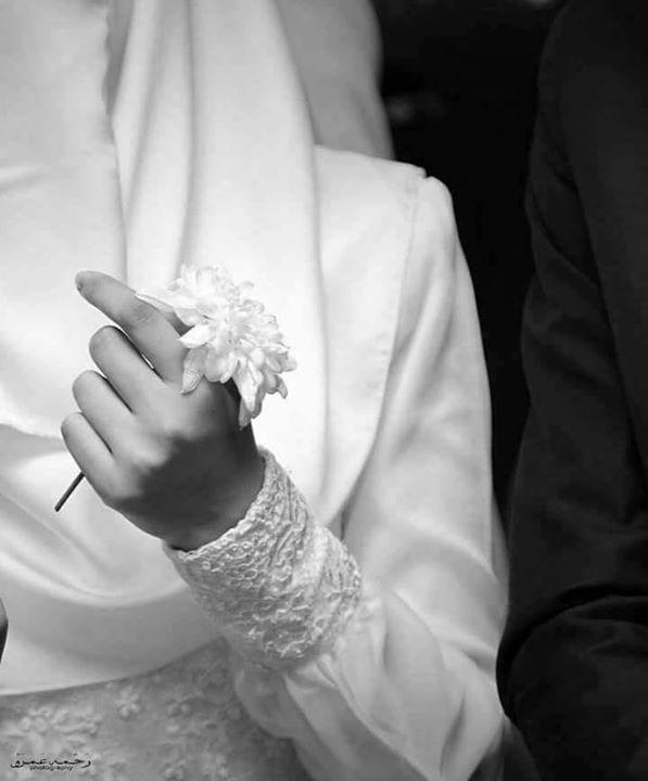 تارك الصلاة لا يلتزم بها بعد الزواج كما أن المريض النفسي لا يشافى بعد الزواج الشخص السيئ في تصرفاته يبقى على Wedding Rings Engagement Engagement Rings