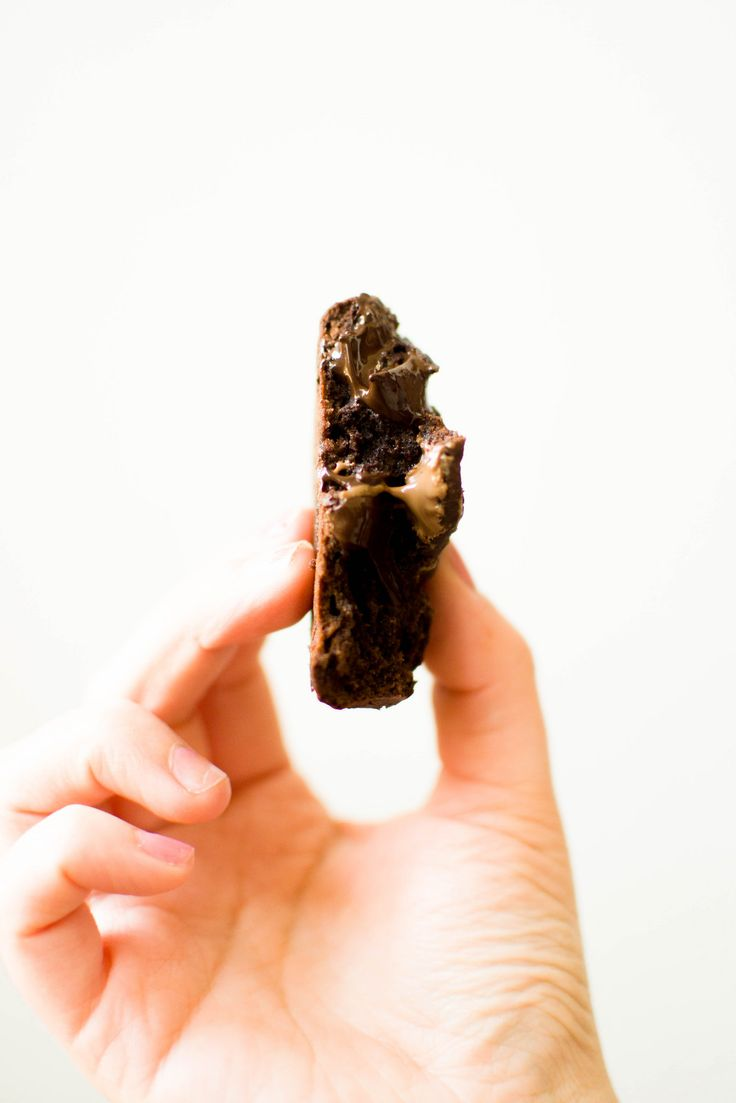 Double Chocolate Gooey Cookies Recipe :: http://www.miel-cafe.com/2015/04/two-ways-to-use-up-your-easter-chocolate.html
