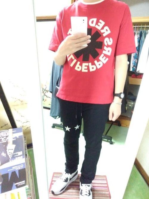 GUのビッグTシャツを使ったコーディネートです    スウェットパンツと合わせてみました