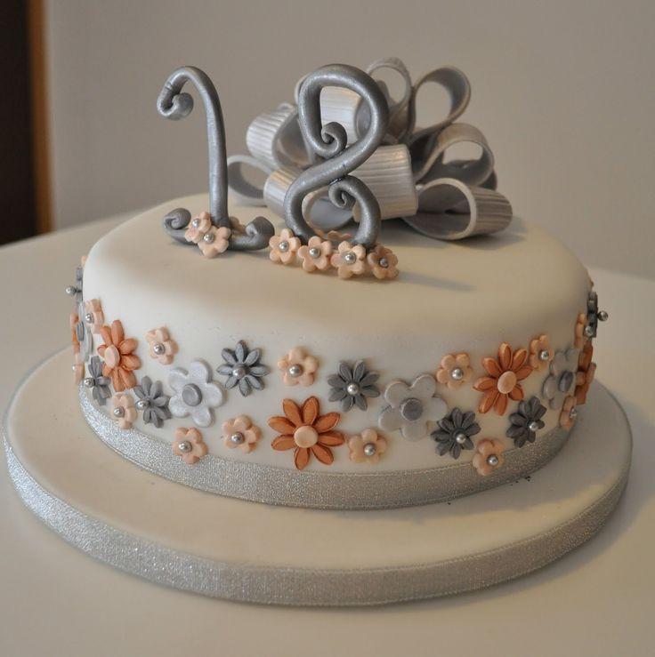 Best 25 Tiara Cake Ideas On Pinterest Princess Crown