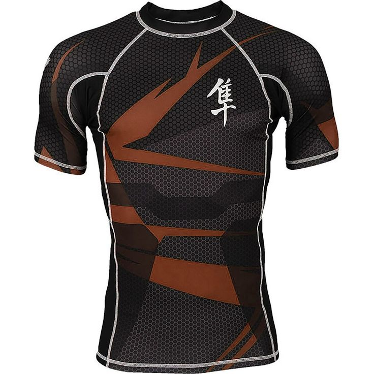 The Hayabusa Metaru 47 Silver Short Sleeve Rashguard features exclusive Hayabusa AGTM Compression fabric for improved comfort and flexibility! Powered by X-Static XT2 pure silver technology to provide anti-odor performance for the lifetime of the garment Developed with Flatlock stitching to prevent chafing and fiber-fused graphics for durability Designed to guard against cuts, scrapes, rashes and keep your body dry and muscles warm
