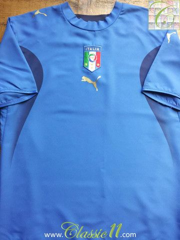 Relive Italy's 2006/2007 season with this vintage Puma home football shirt.