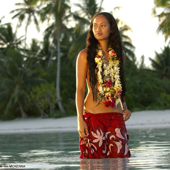 cook islands women