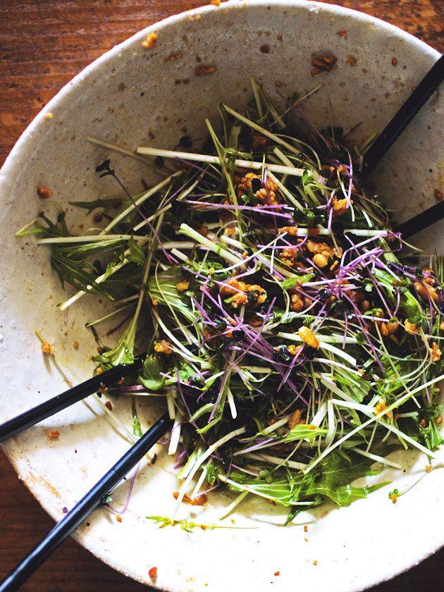 かいわれ大根、豆苗、マスタードスプラウトなど、さまざまな新芽でアレンジするのも楽しい!|『ELLE a table』はおしゃれで簡単なレシピが満載!