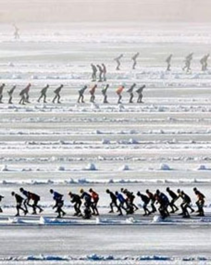 Winter in Heeg, schaatsen