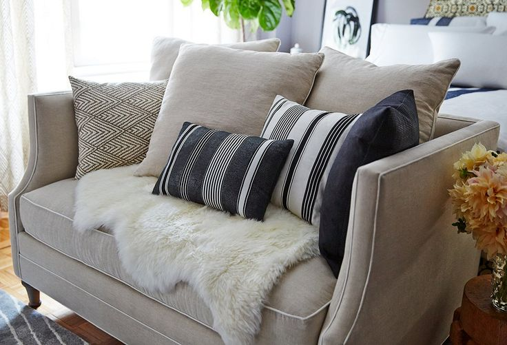 25 best ideas about couches for small spaces on pinterest - Best sofas for small apartments ...