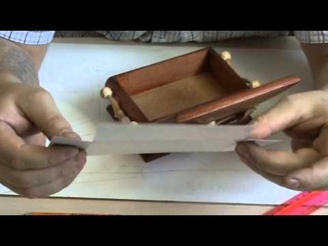 как установить шарниры на шкатулку и оклеить ее бархатом - YouTube