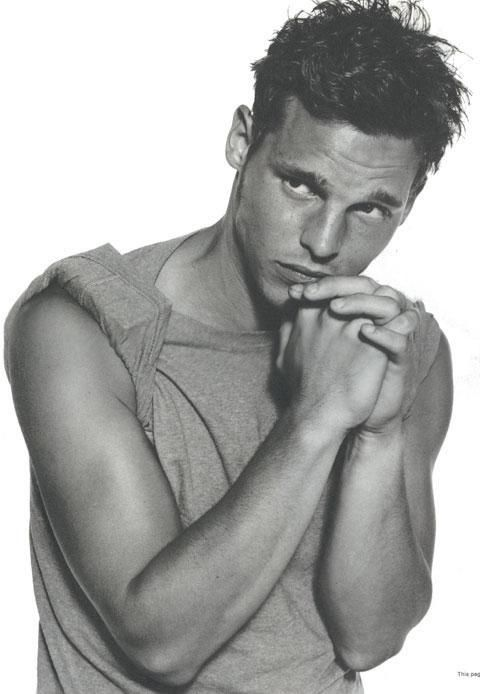Justin Chambers-- Alex Karev on GA...looks so young here! <3
