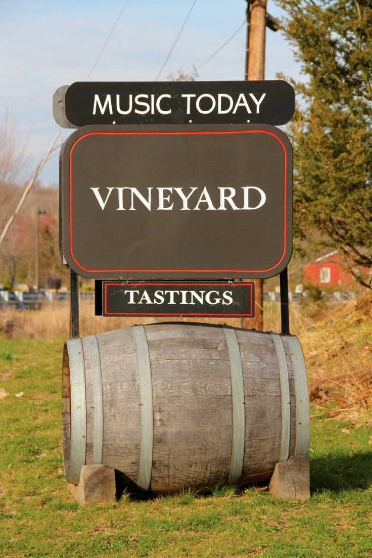 Live music and wine, does it get any better?
