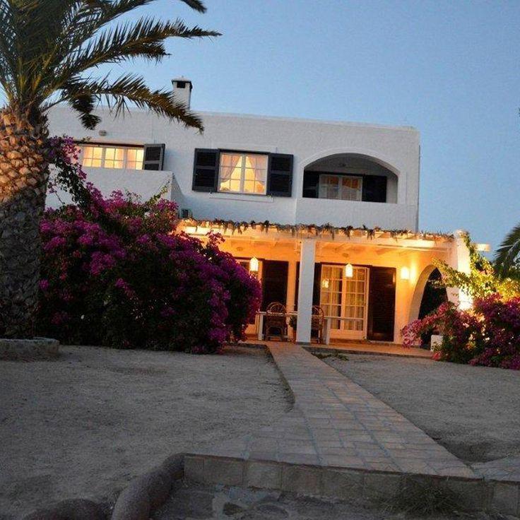 Villa Diamond Light, First Floor, Vrocheia, Aegina Island, BetterHome's portofolio apartment. http://bit.ly/VillaDiamondLightFirstFloor ⛱ #diaxeirshakinhton #welcomemore #solutions #advice #airbnb #BetterHomeEU