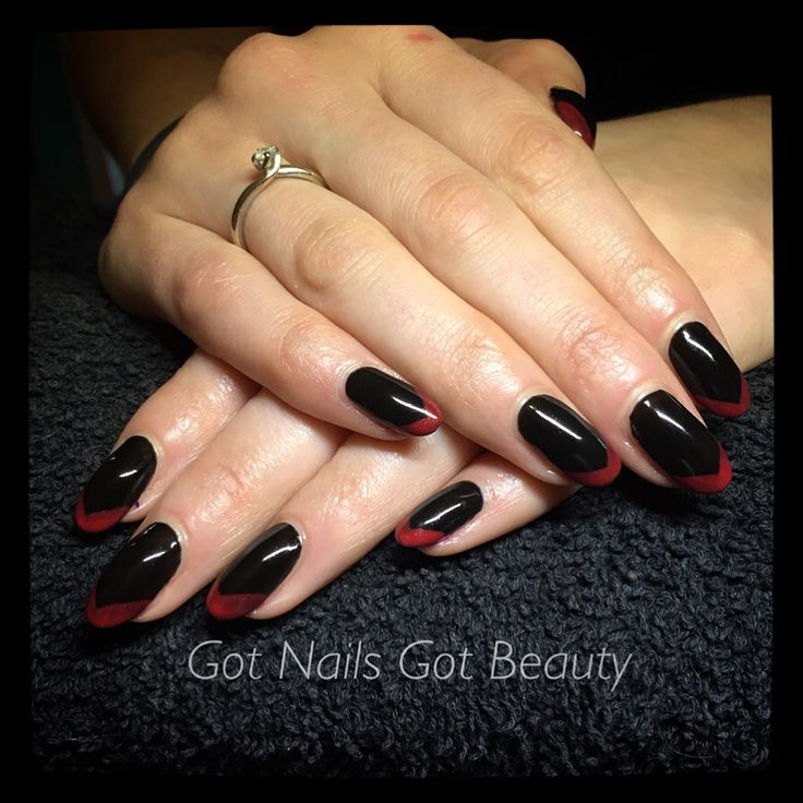 CND Shellac - Black Pool with Hollywood tips