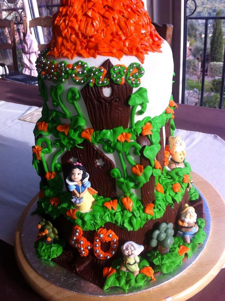 Snow White And The Seven Dwarves Birthday Cake