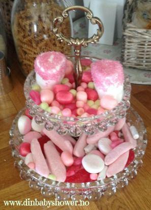 Pink candy! Ha en rosa/blå/nøytral trå på baby shower festen! Mer inspirasjon finner du hos www.dinbabyshower.no